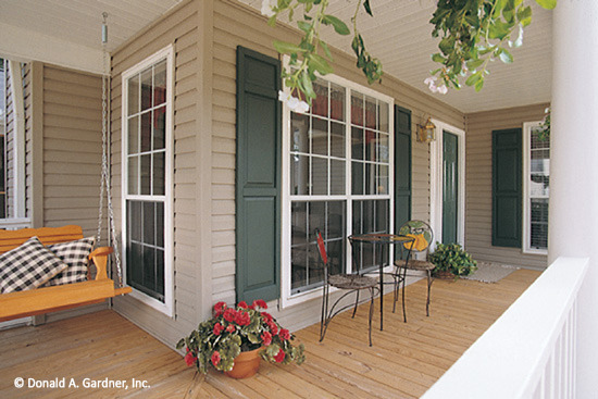 109 Sycamore Front Porch
